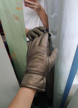 Перчатки теплые из америки,есть дефект,изнутри,на теплой подкладке