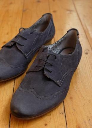 Кожаные мужские синие туфли tamaris
