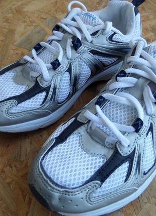 68e3ea2a8df1 Фирменные кроссовки sports размер 39-длина стельки-25 см, цена - 500 ...