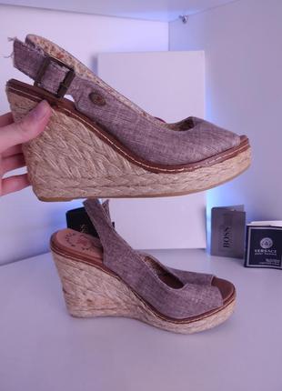 Босоножки на танкетке сандалии с плетением