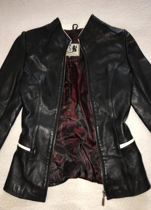 Кожаная куртка в размере xxc - xc