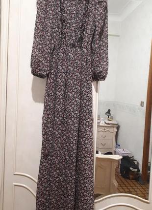 Длинное шифоновое платье в мелкий цветочек