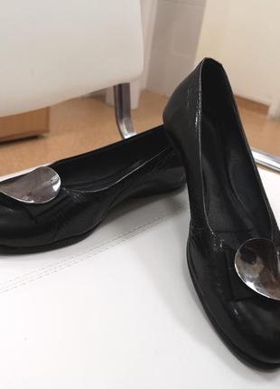 Туфли кожаные лакированные балетки 37р.
