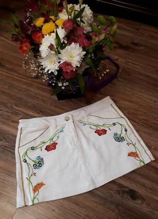 Летняя белая юбка с вышивкой