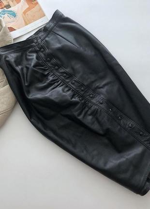 Шикарная кожаная юбка карандаш ассиметричного кроя рр с-м