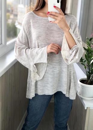 Красивый облегчённый джемпер свитер