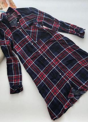 Платье рубашка в клетку stradivarius pp c