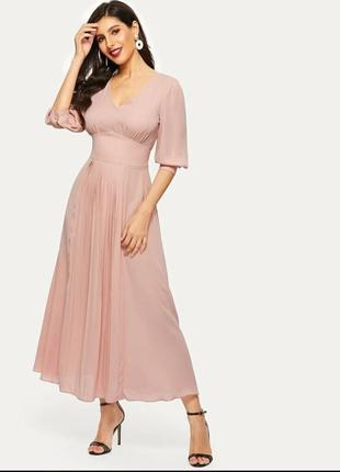 Платье-клеш с завышеной талией нюдового цвета