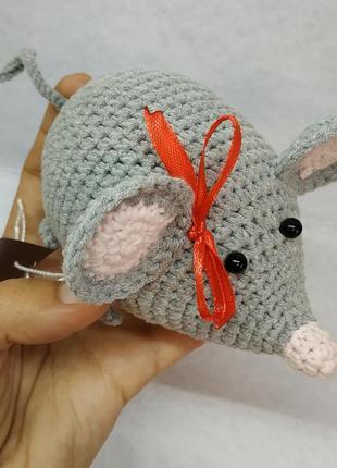 Брелок вязаная мышка ручной работы