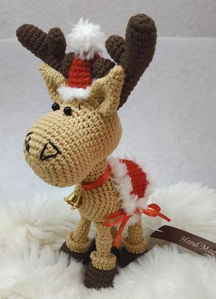 Брелок новогодний олень из хлопковой пряжи