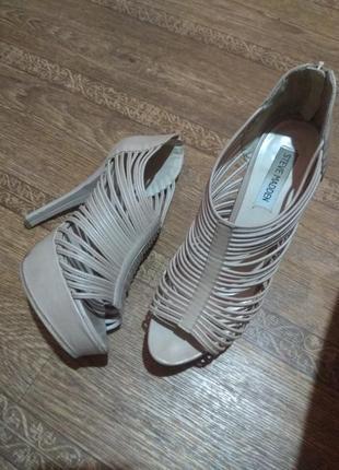 Босоножки на шпильке, крутые туфли, вечерние босоножки