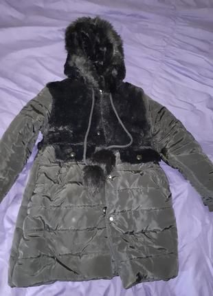 Куртка теплая на 9 лет.