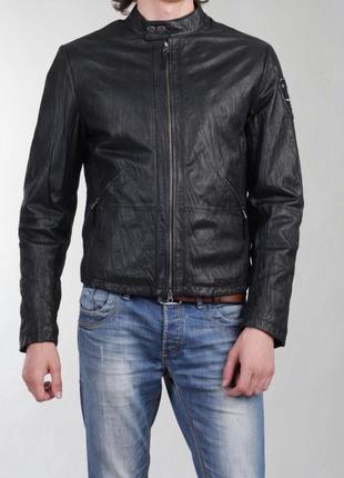 Крутая кожаная куртка armani jeans