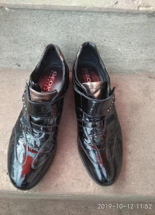 Продам туфлі1 фото