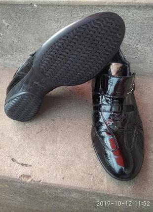 Продам туфлі2 фото