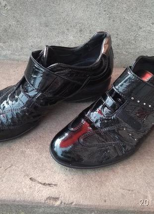 Продам туфлі3 фото