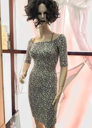 Плаття з декольте і відкритою спиною1 фото