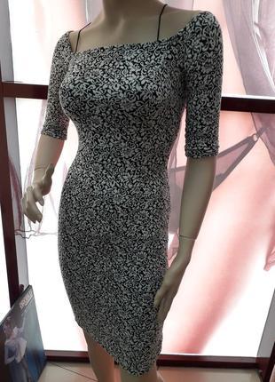Плаття з декольте і відкритою спиною2 фото