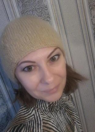 Шапка мохер бежевый,легкая и теплая2 фото