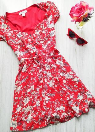 Красное цветастое платье со шнуровкой 🔥