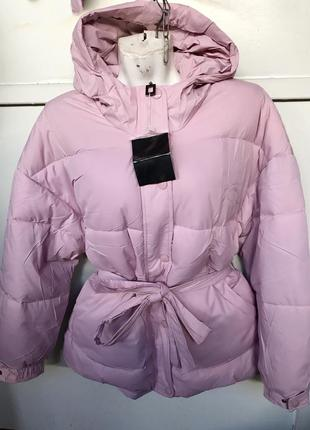 Новая пудровая куртка пуховик оверсайз с поясом1 фото