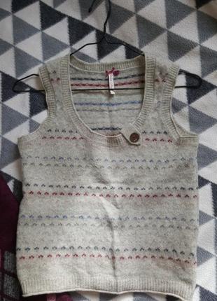 100% шерсть жилетка на рубашку или футболку1 фото