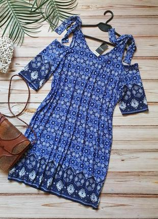 Красивое платье свободного кроя с узорами в бохо стиле