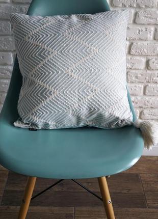 Декоративная подушка зигзаг