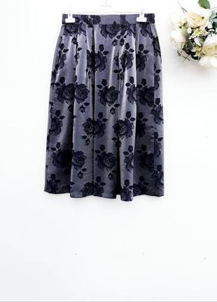 Очень красивая юбка миди юбка в склады с переливом нарядная юбка с розами