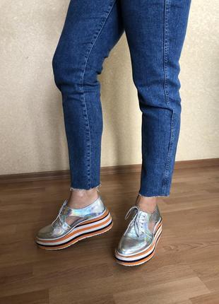 Кожаные эффектные туфли на платформе