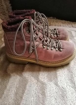 Розовые пудровые ботинки тимберленды на шнуровке тёплые осенние 39размер