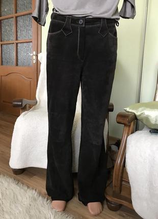 Нубуковые кожаные штаны темно-коричневого цвета