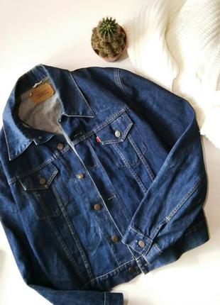 Синяя джинсовая куртка бойфренд, джинсовка оверсайз с потертостями levis