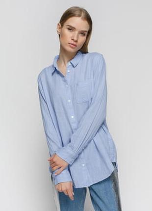 Джинсовая рубашка  с латками