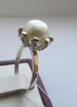 Серебряное колечко с жемчугом и золотыми пластинами