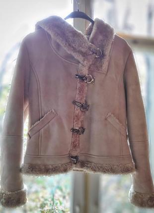 Короткая зимняя дублёнка бренда tac & chen