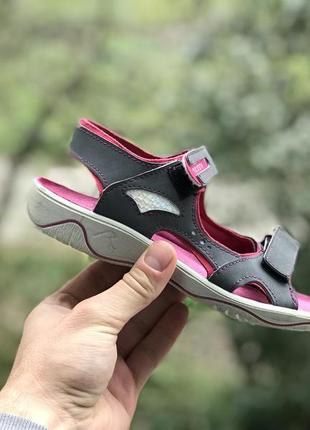 Ricosta босоніжки сандалі