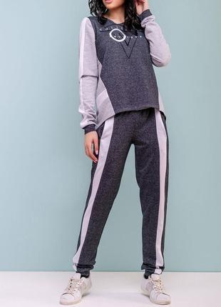 Молодежный спортивный женский свободный костюм из двунитки с лампасами (1084 svtt)