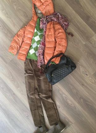 Ультралегкая куртка с капюшоном тыквенного цвета uniqlo