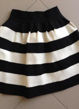 Юбка в чорно белою полоску юбка резинка спідниця