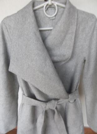 H&m пальто без пуговиц с запахом