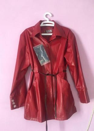 Красный  эко кожа кожаный тренч плащ стильная вещь