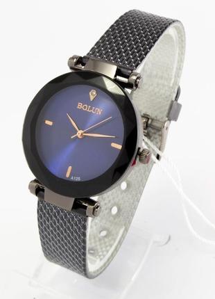 Красивые часы +коробочка
