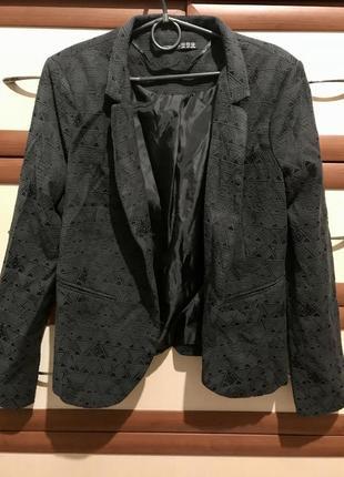 📸нарядный пиджак из текстурной ткани 14рр