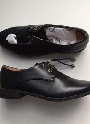Новые туфли ( 36 р ) туфлі ботинки