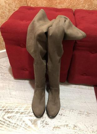 Высокие замшевые  сапожки  40рр
