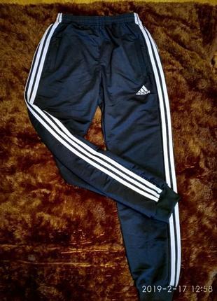 Стильные спортивные штаны ..брюки adidas