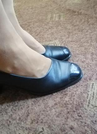 Gabor кожаные туфли винтаж на удобном каблуке.
