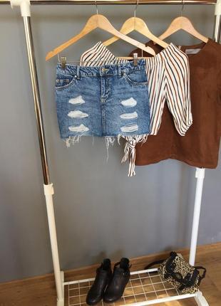 Трендовая джинсовая юбка divided