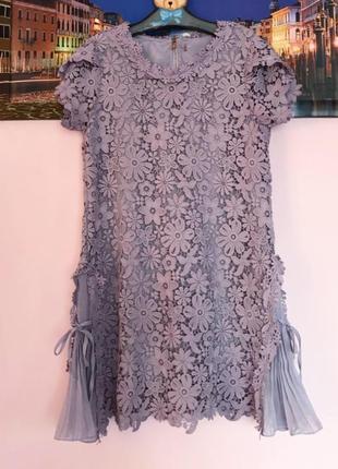 Шикарное нарядное кружевное платье